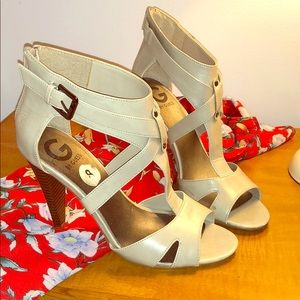 G by Guess Nude heels with wood grain heel. Size 8